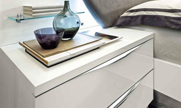modernes stilvolles doppelbett bett laminiert wei hochglanz italienische m bel ebay. Black Bedroom Furniture Sets. Home Design Ideas