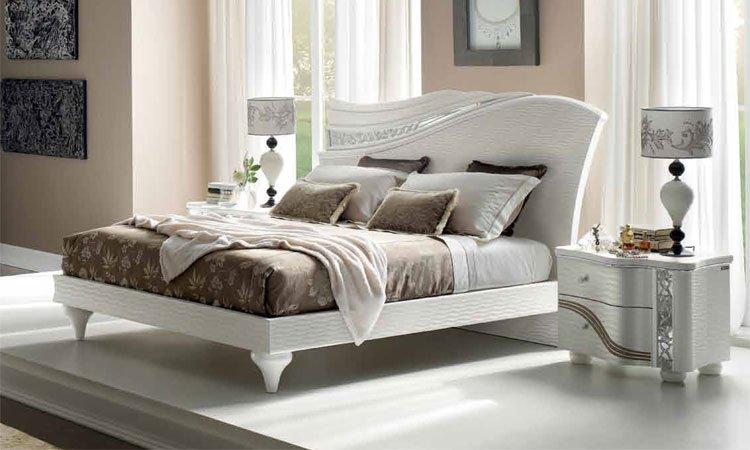 Doppelbett Miro Mit Lack Kopfteil