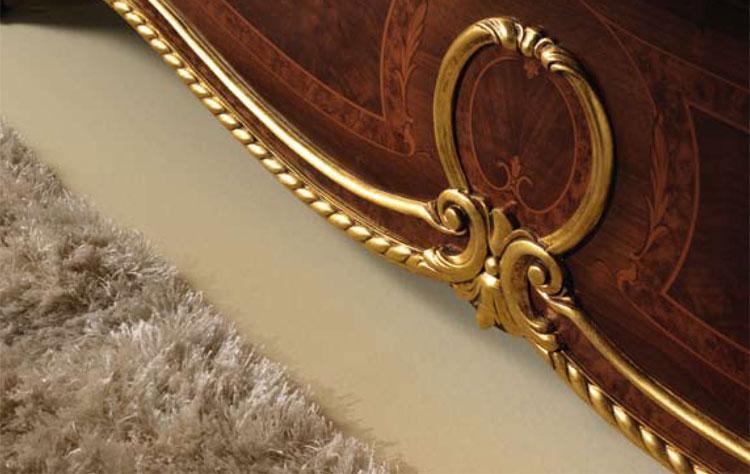 Klassische kommode vier schubladen nussbaum farbe gold for Klassische mobel ebay