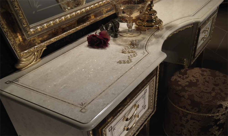 Kommode damenkommode schminktisch beige hochglanz gold dekor m bel aus italien ebay - Stilmobel italien ...